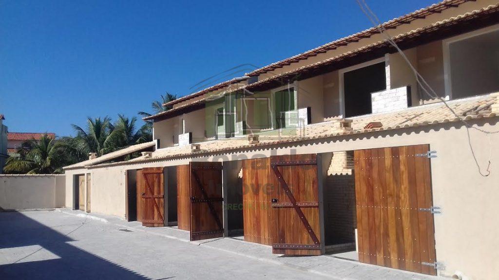 R5 – Casa duplex em condomínio, 03 quartos, 02 suítes, Peró – Cabo Frio