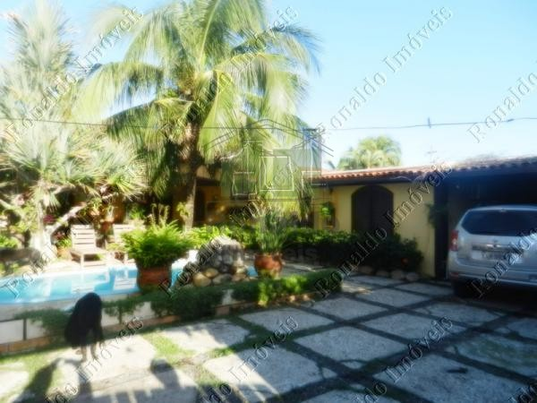 R113 – Bela casa duplex independente  com piscina, Peró – Cabo Frio