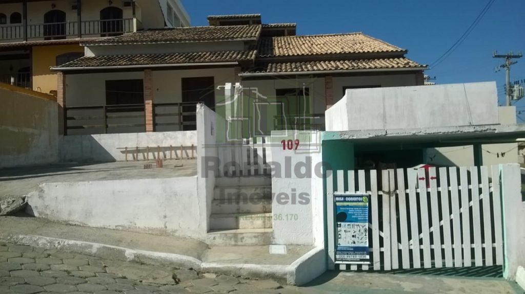 R183 – Casas independentes, 02 suítes, Peró – Cabo Frio