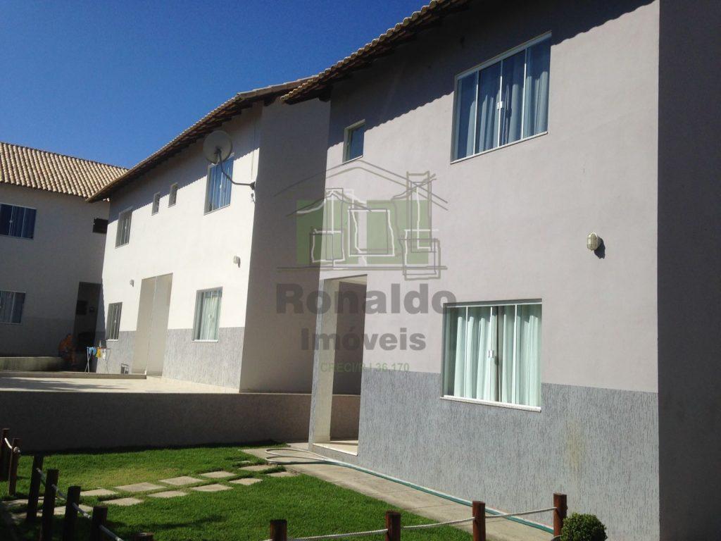 R202 – Casa independente em condomínio, 03 quartos, Peró – Cabo frio