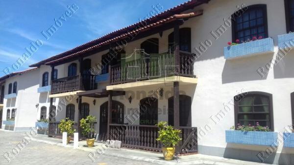 R72 – Excelente apartamento em condomínio na praça do Peró – Cabo Frio