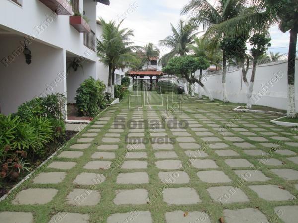 R105 – Excelente casa em condomínio, 04 quartos, 50 mts da praia, Peró – Cabo Frio