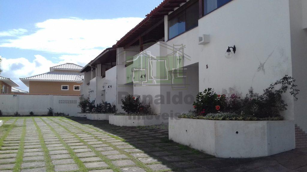 R1 – Casa em condomínio, 02 quadras da praia, Peró – Cabo Frio