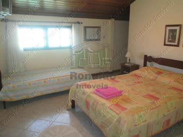 Casa 04 quartos 02 suítes (17)