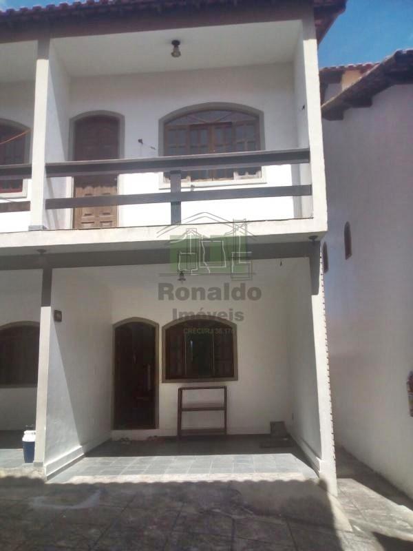 R33 – Casa em condomínio 03 suítes, Peró – Cabo Frio