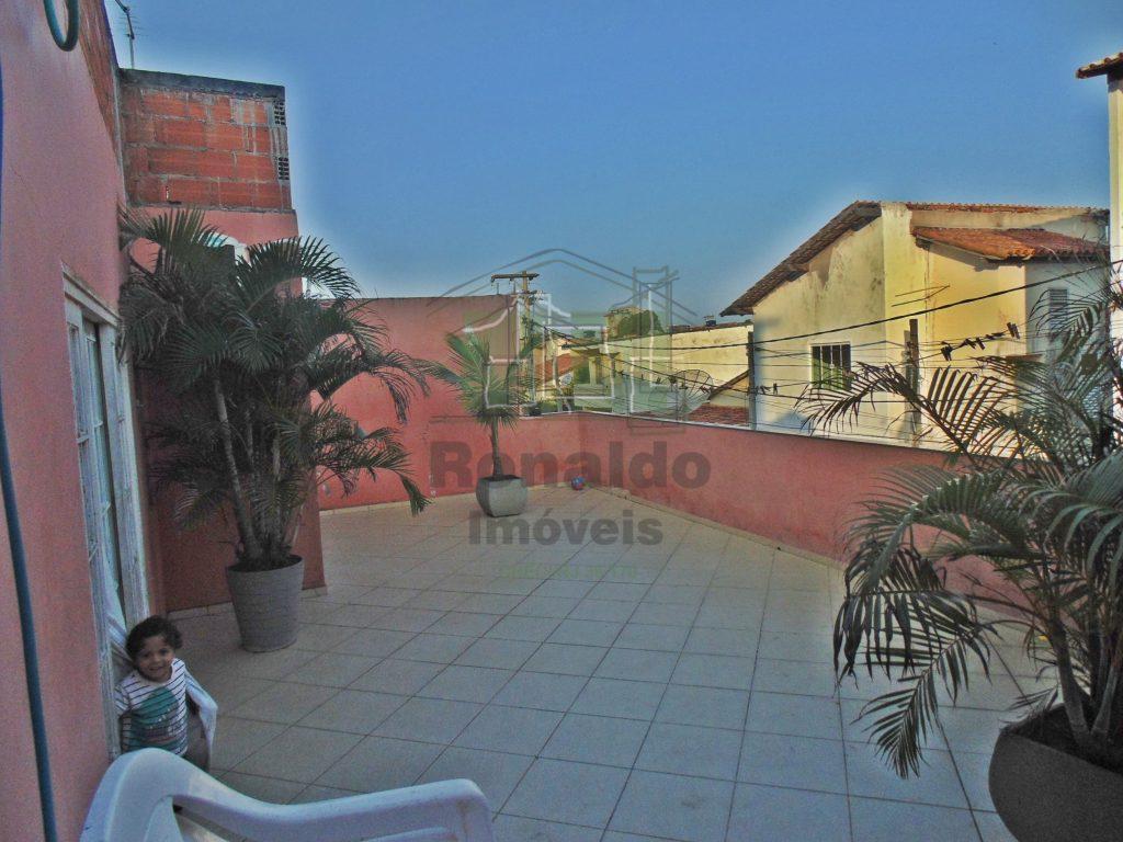 R28 – Oportunidade!! Casa triplex independente – Peró – Cabo Frio
