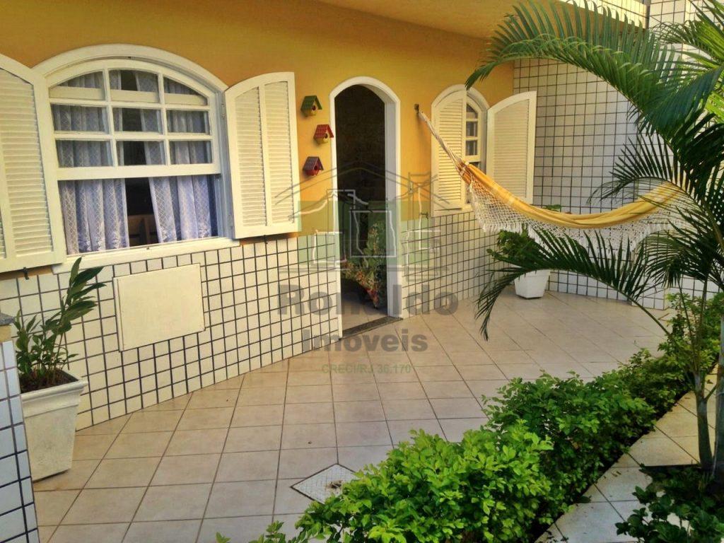 R200 – Apartamento térreo, 02 quartos / 01 suíte, Peró – Cabo Frio