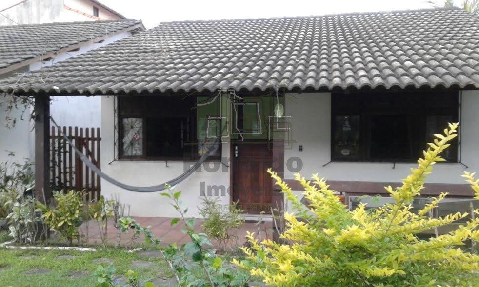 AT2027 – Casa Linear independente, 02 quartos,  Peró – Cabo Frio