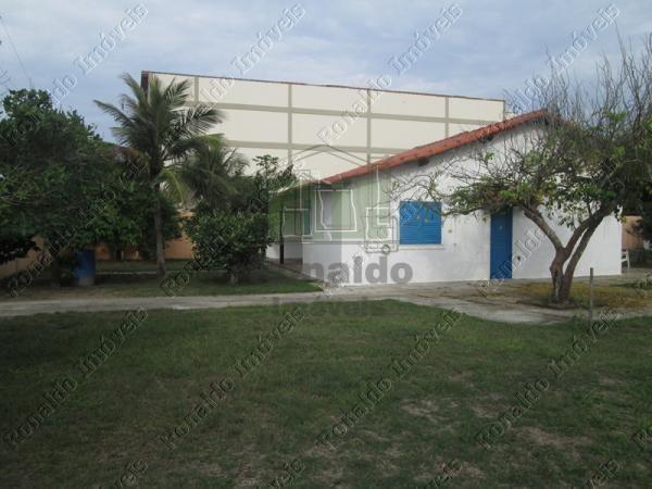 AT2013 – Casa independente com piscina, 04 quartos, Peró – Cabo Frio