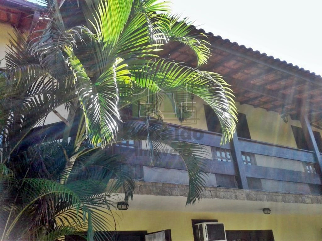 AT2035 – Apartamento duplex 02 quartos, condomínio com piscina, Peró – Cabo Frio