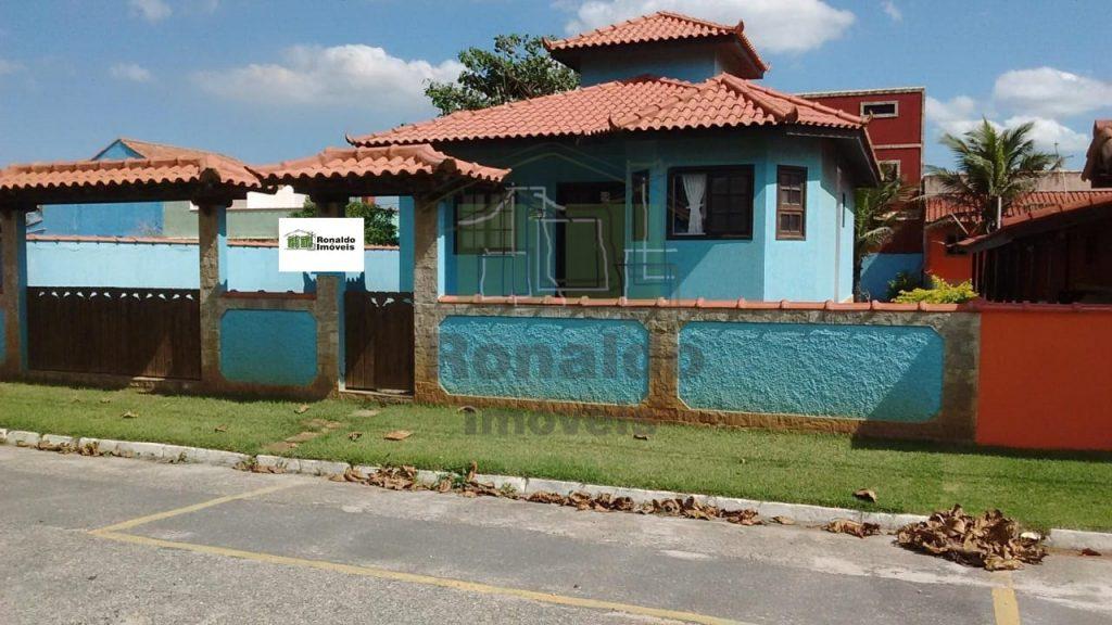 R220 – Casa independente, 02 quartos / 01 suíte, Unamar – Cabo Frio