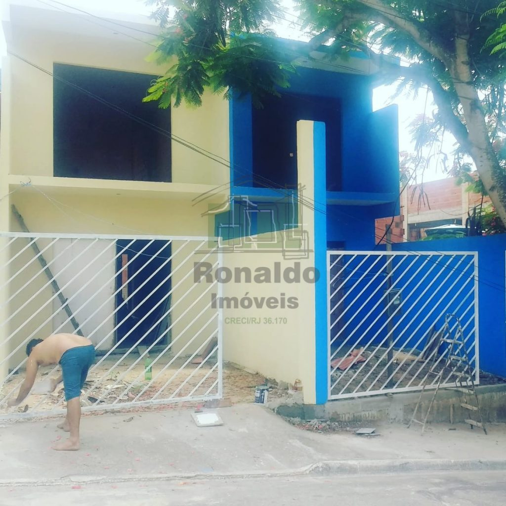 R194 – Casa triplex independente 02 quartos, Peró – Cabo Frio