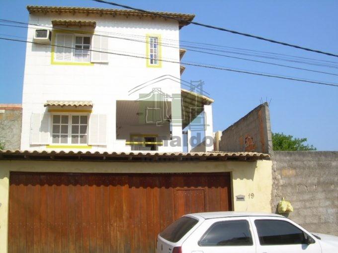 R151- Casa triplex independente 03 suítes, Peró – Cabo Frio