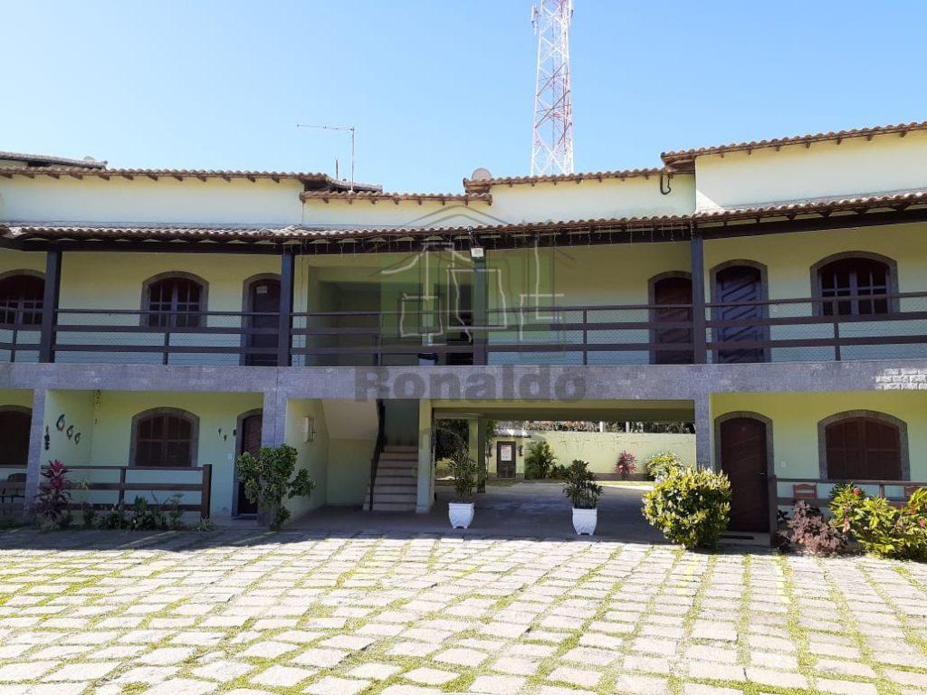 R246 – Apartamento 04 quartos / 02 suítes, piscina e churrasqueira, Peró – Cabo Frio – RJ
