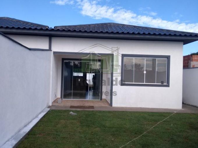 R243 – Casa Térrea independente 02 quartos / 01 suíte, Peró – Cabo Frio – RJ