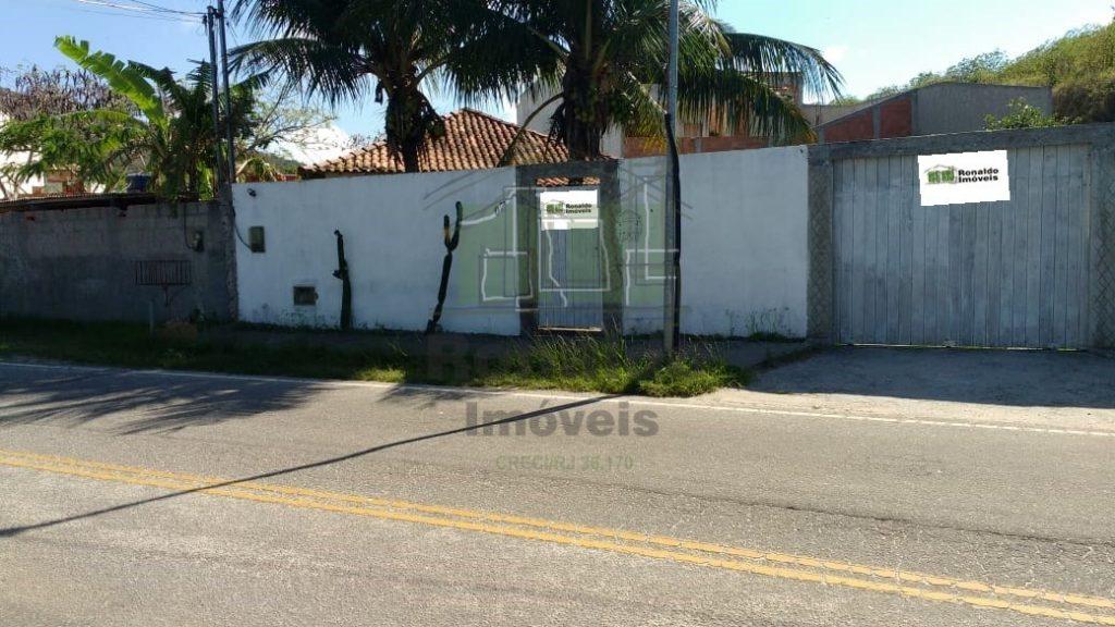 R252 – Casa independente, 02 quartos / 01 suíte, Peró – Cabo Frio – RJ