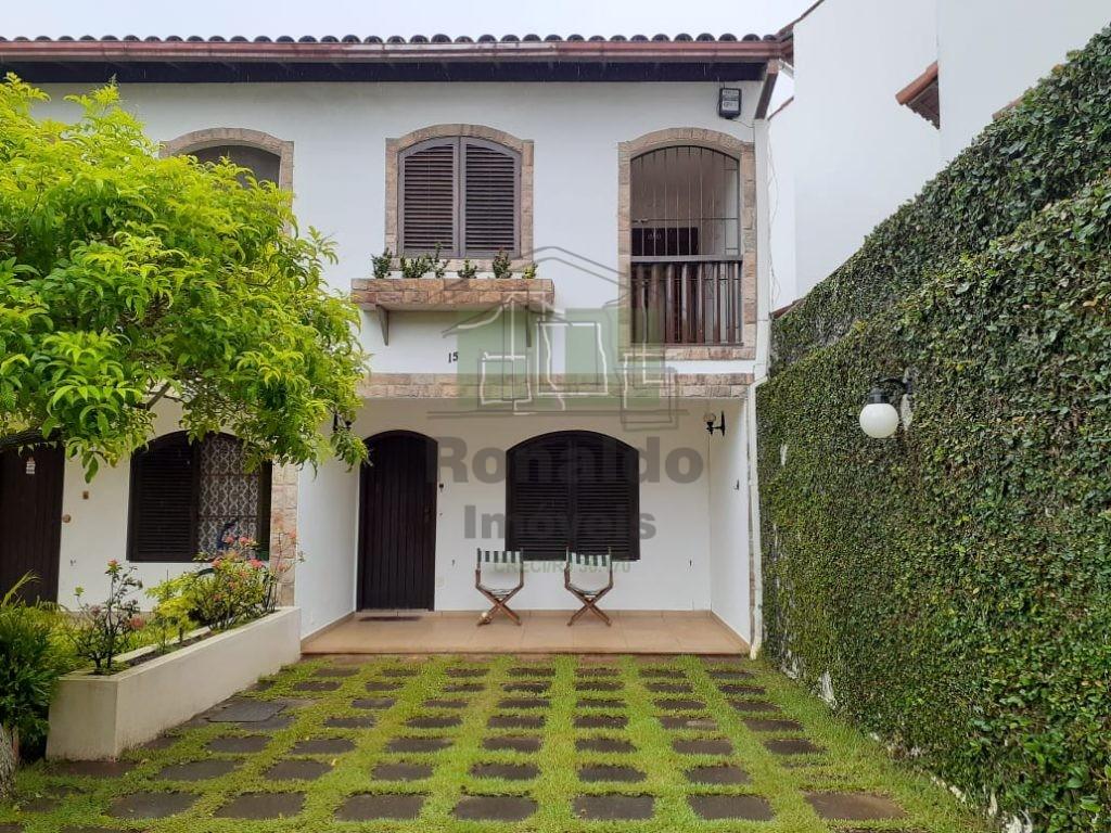 R5 – Linda Casa duplex em condomínio,03 quartos, Peró – Cabo Frio, RJ