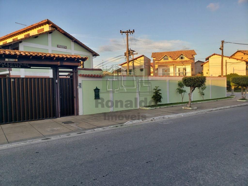R185 – Duplex em condomínio, 02 quartos, Peró – Cabo Frio – RJ