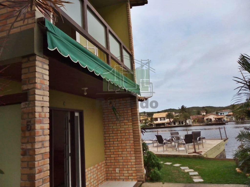 R111 – Casa duplex, 02 suítes, Ogiva – Cabo Frio – RJ
