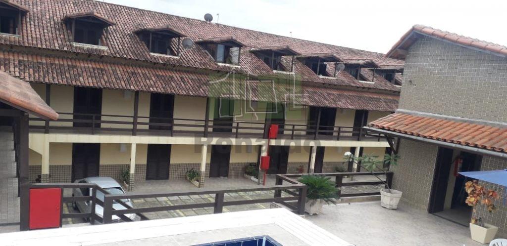 R269 – Apartamento em condomínio com piscina, 02 quartos / 01 suíte, Peró – Cabo frio – RJ