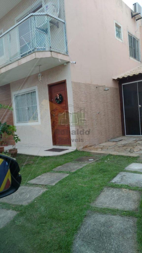 R266 – Casa independente duplex em condomínio, 02 quartos, Vila do Peró – Cabo Frio – RJ