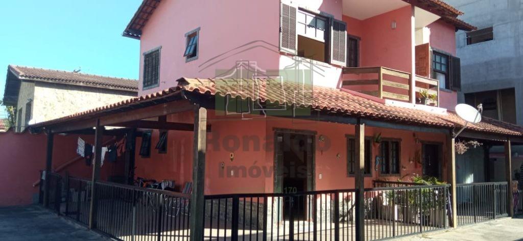 R274- Casa duplex, 02 quartos, Peró- Cabo Frio – RJ