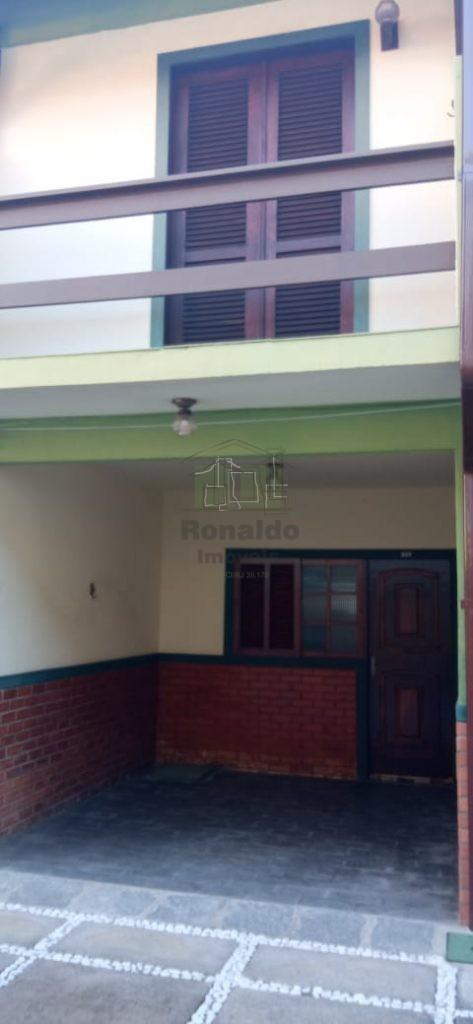 R277 – Apartamento Triplex, 02 quartos, Peró – Cabo Frio – RJ