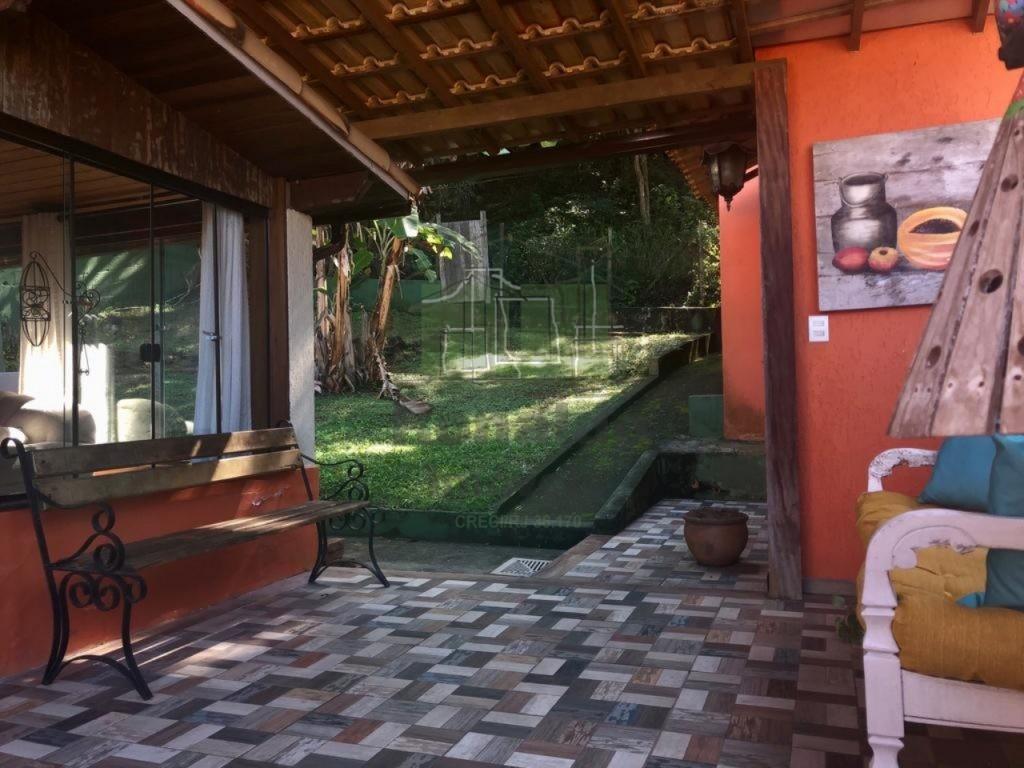 R286 – Casa Independente, 04 quartos/ 03 suítes, Guriri – Cabo Frio – RJ