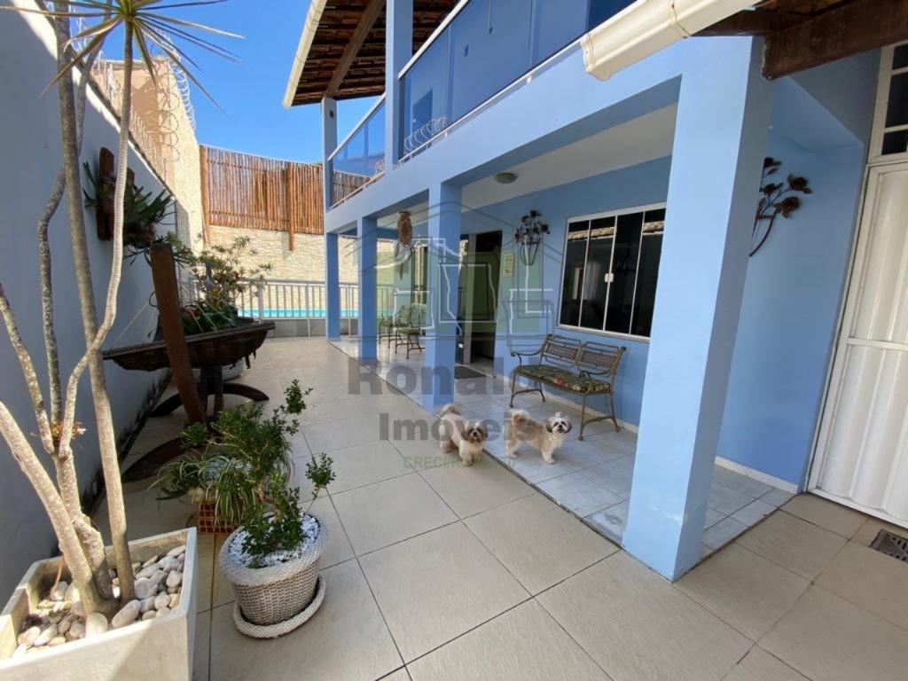 R285 – Casa Independente, 06 quartos sendo 03 suítes, Peró – Cabo Frio – RJ